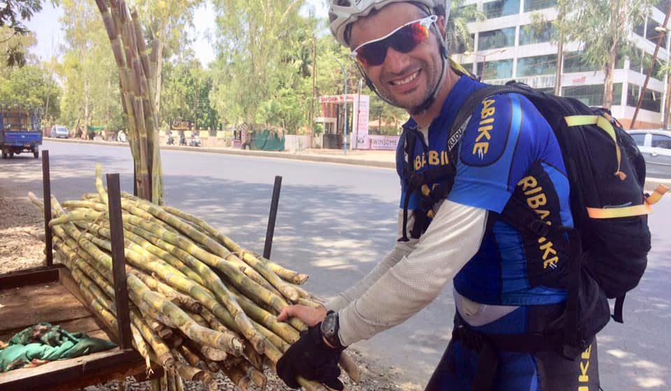 Pedro Bento continua a aventura e já chegou à Índia debaixo de 50 graus