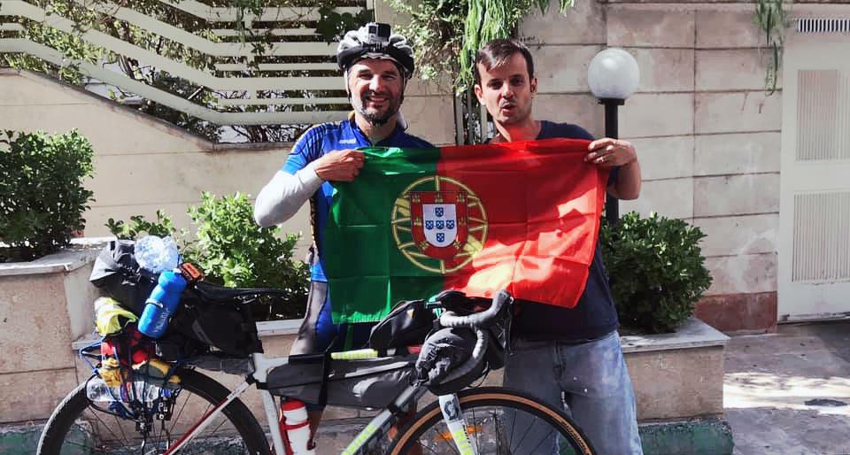 Pedro Bento encontra português em Teerão no Irão