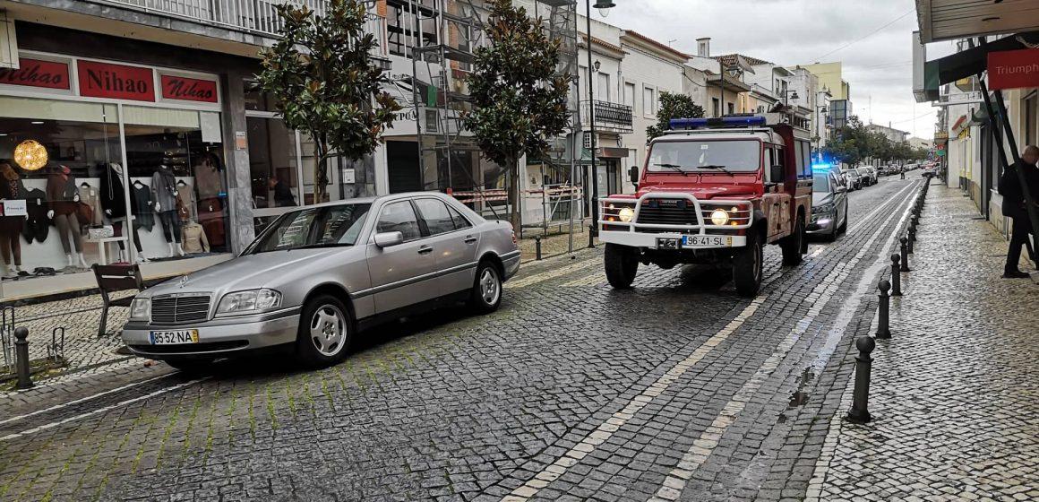 Acidente em Almeirim com carro e moto
