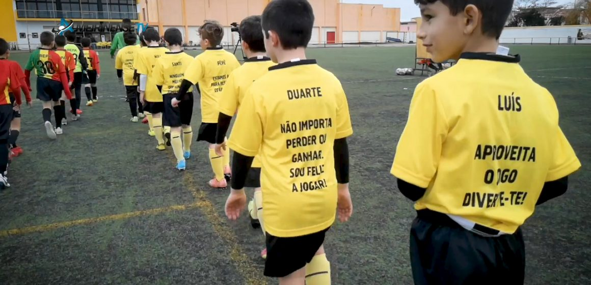 VÍDEO – Equipa de SUB10 do Fazendense dá exemplo no Fair Play no futebol