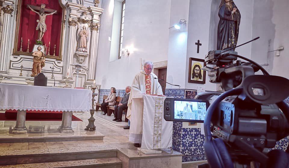 VÍDEO – Missa na Igreja Matriz de Almeirim