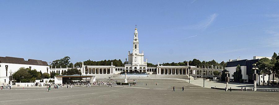 Oração do Rosário e Consagração de Portugal