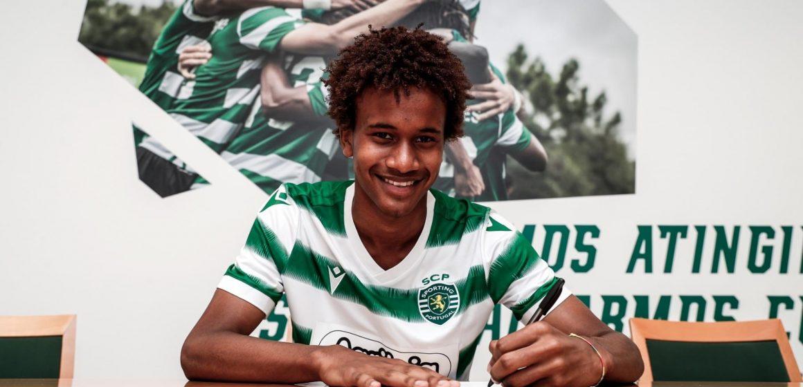 Jogador de Almeirim assina contrato profissional pelo Sporting