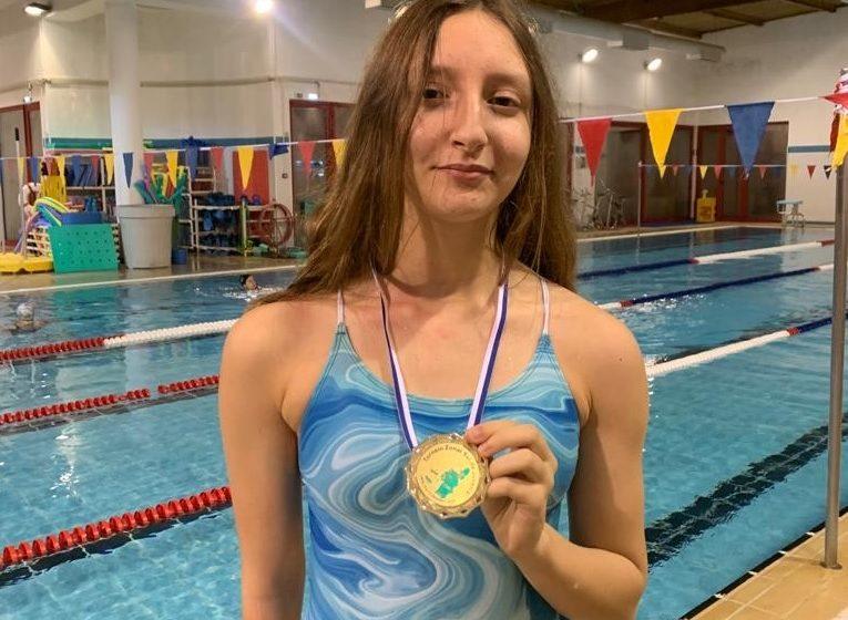 """"""" A natação é um desporto completo que nos ajuda a ser mentalmente fortes"""""""