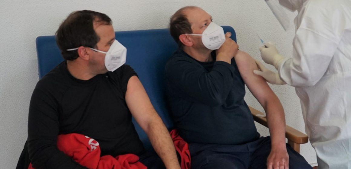 Bombeiros Voluntários de Almeirim começam a ser vacinados