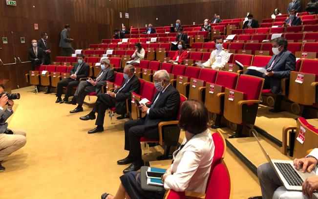 Reunião de Infarmed apresentou propostas de novos níveis de desconfinamento