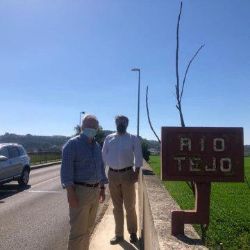 Câmaras de Almeirim e Santarém dão à luz na Ponte D. Luís