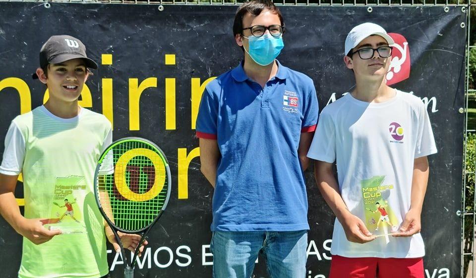 Tenista da Associação 20kms conquista torneio em casa