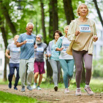 Seniores apoiam os jogos olímpicos de Tóquio com caminhada virtual