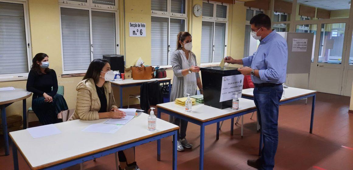 Eleições Autárquicas: Joaquim Catalão vota