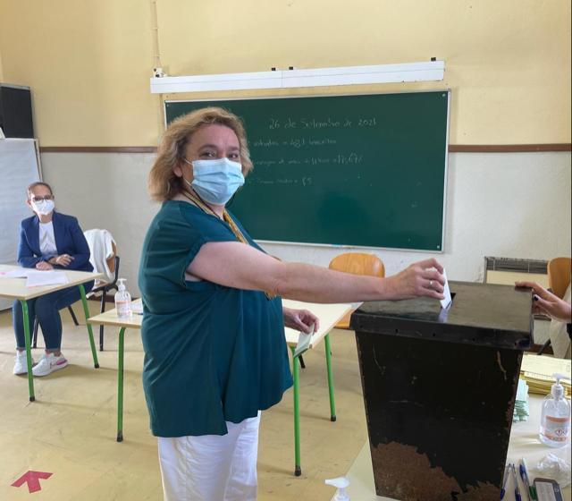 Eleições Autárquicas: Cristina Casimiro vota