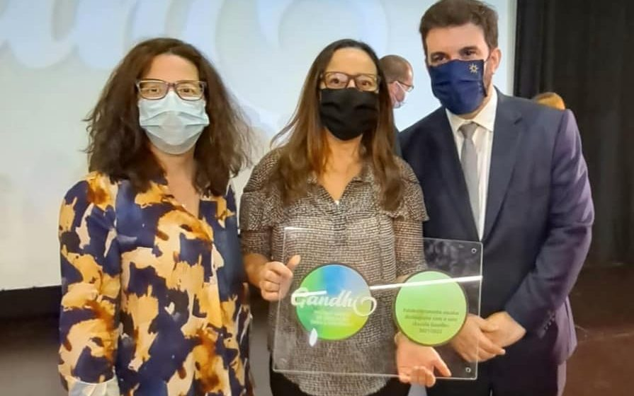 António Costa e Tiago Brandão Rodrigues entregam prémio ao Agrupamento de Fazendas